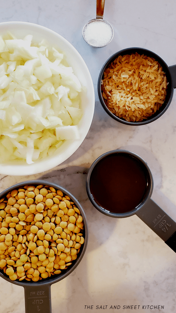 With this four ingredients recipe: Lentils, rice, onions and salt; you can make a very simple and healthy vegan meal. Mujadara! Growing up, I never really appreciated Mujadara, but thankfully I have smarter taste buds these days.