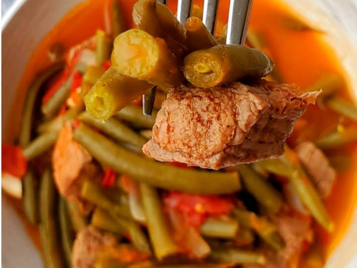 Lebanese green bean stew with beef/ beef stew with green beans.