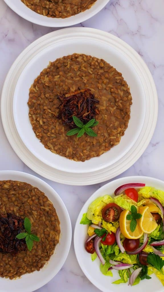 If you are looking for meatless meals and meatless dinners, you will love this easy rice and lentil mujadara recipe.