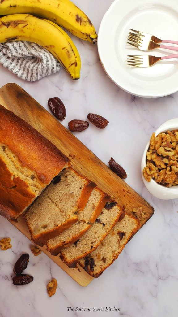 banana date loaf recipe, great way to use overripe bananas!