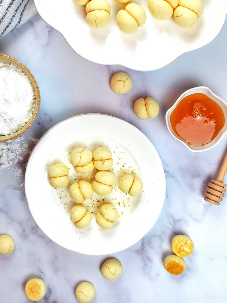 Lebanese butter cookies/ melting moments cookies