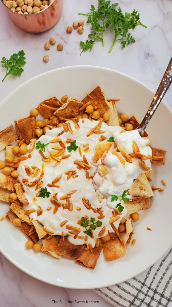 Fatteh Lebanese/ Fatteh hummus/ fatteh recipe chickpeas/ Lebanese recipes.