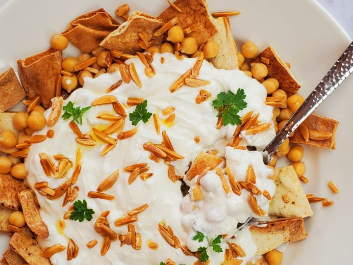 Lebanese Fatteh with chickpea.