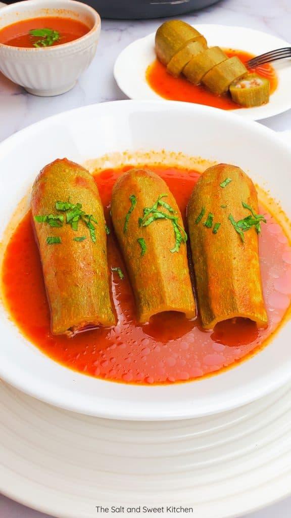 Kousa mahshi stuffed zucchini