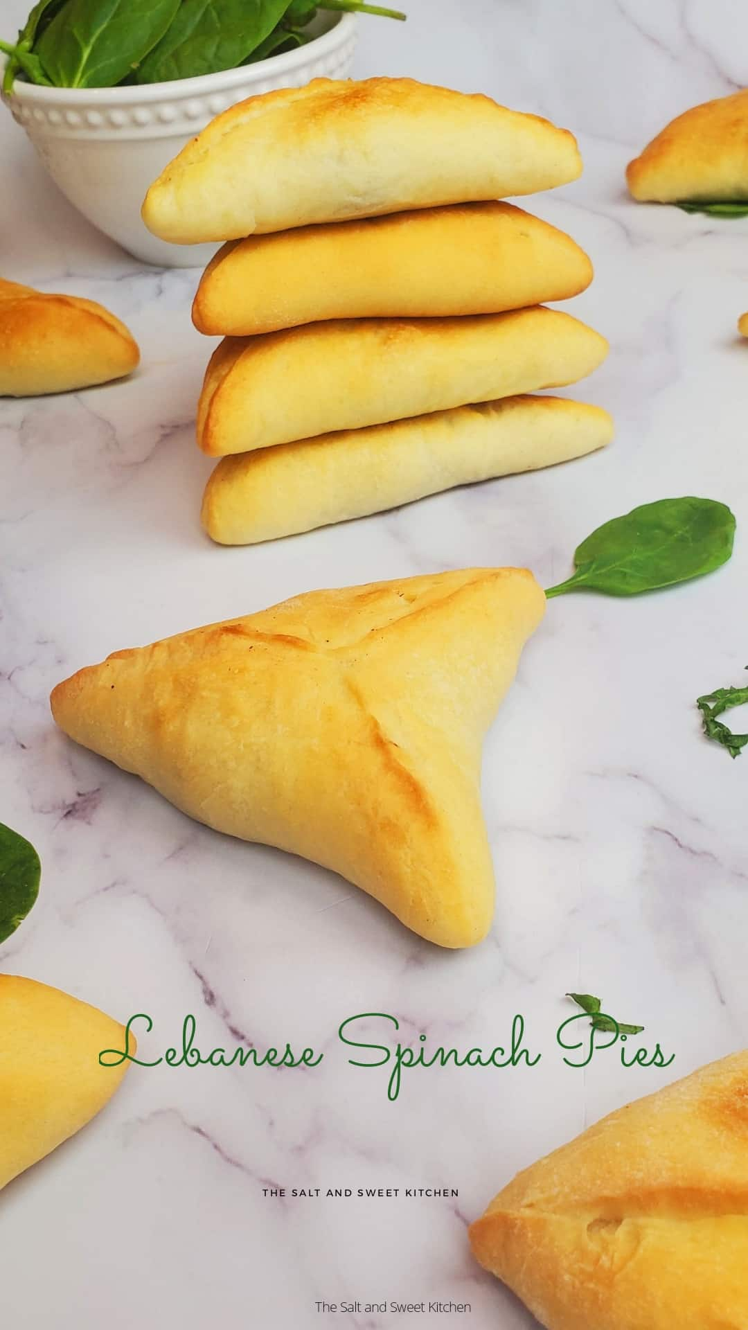 Spinach pies Lebanese/ Spinach pies Middle Eastern/ fatayer recipe/ fatayer spinach