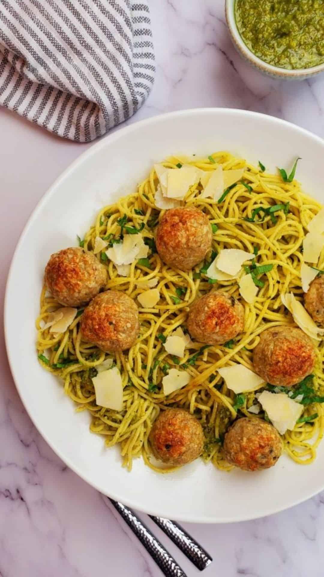 Pesto Spaghetti with Chicken Meatballs