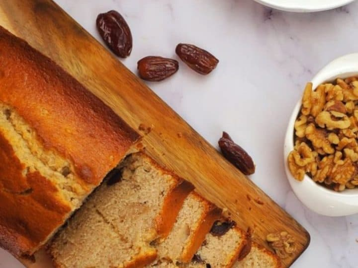 Banana loaf with dates