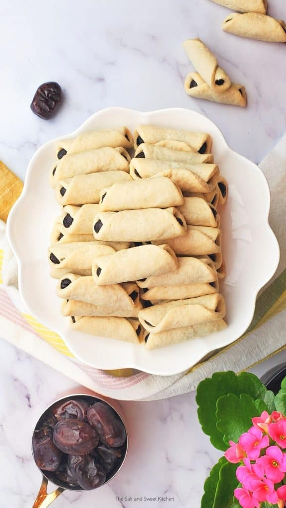 Date filled cookies- Lebanese date pastries.